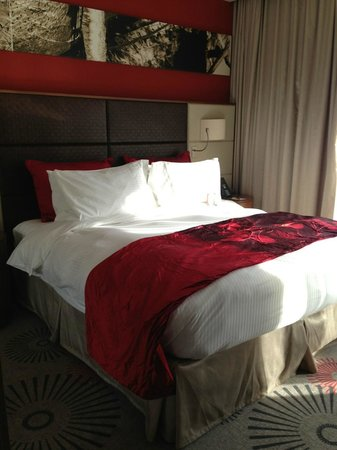 Crowne Plaza Doha - The Business Park:                   bedroom