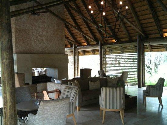 Kapama Southern Camp:                   camp lounge