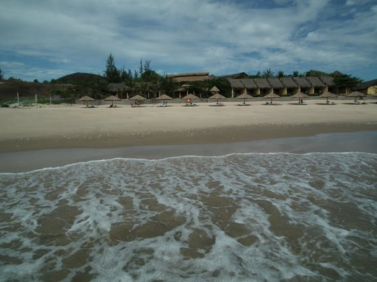 White Sands Resort:                   Phu Hai Beach