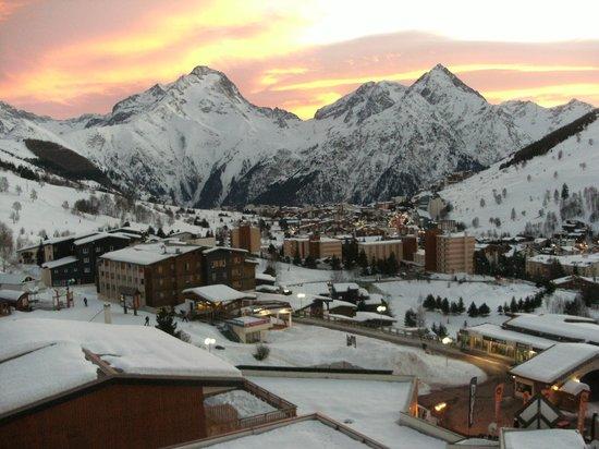 Mercure Les Deux Alpes 1800 Hotel : couché de soleil
