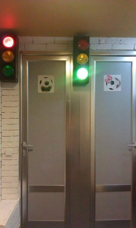 Hinchada Sport Bar: WC )