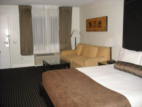 Four Points by Sheraton Anaheim:                   Superior room type, with King Bed, from bathroom area