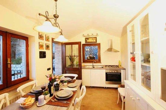 Agriturismo Eremo delle Fate: Cucina della casa delle Fate
