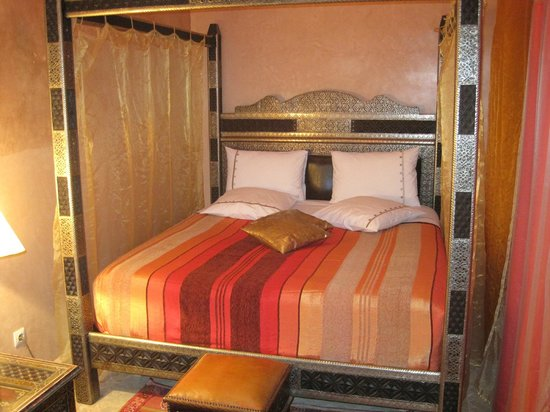 Riad Princesse du Desert:                   my bed