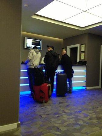 InnPera Hotel:                   resepsiyon