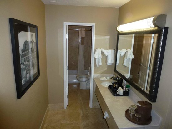 La Quinta Inn & Suites Seattle Downtown: ingresso/bagno
