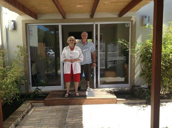 Bamboo Guest House: Sue and Jim at the entrance