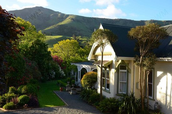 Kawatea Farmstay: With the hills as the backdrop