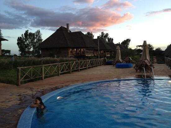 Neptune Ngorongoro Luxury Lodge :                   vista da piscina