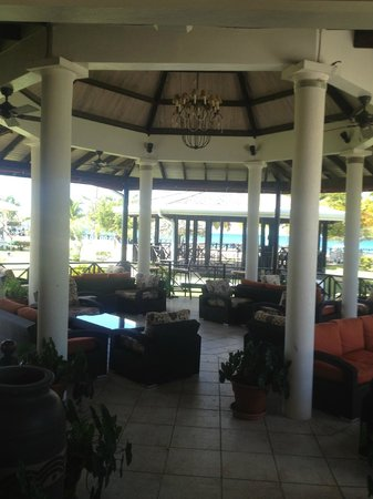 Coyaba Beach Resort:                   Lounge Area