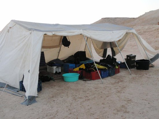 Dahab Divers South Sinai Hotel & Dive center: diver gear tent