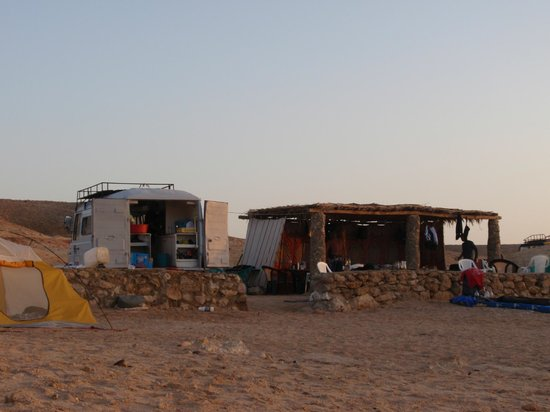 Dahab Divers South Sinai Hotel & Dive center: kitchen and dinner tent