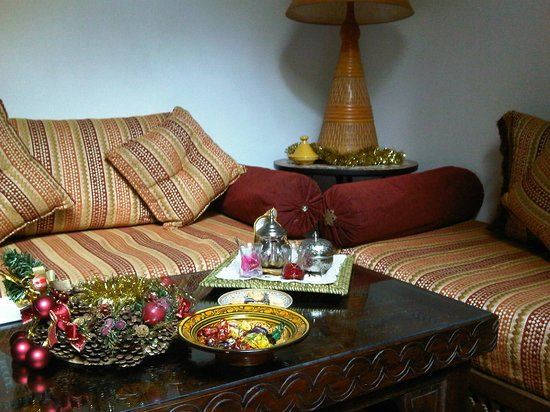 Dar Zouhour :                   A warm welcome in the lounge, with tea and sweets