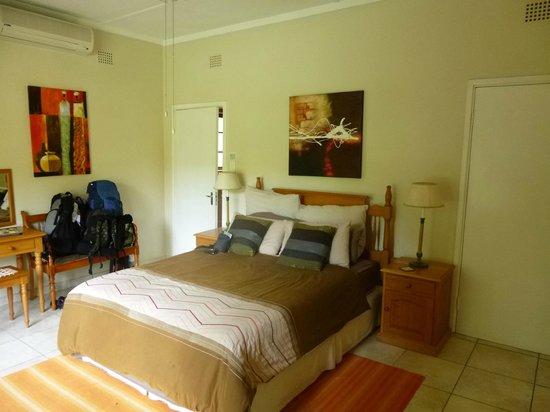 Parkers Cottages :                   Bed