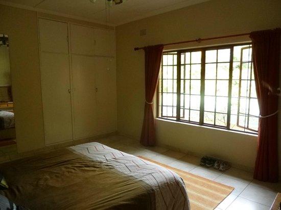 Parkers Cottages :                   Room Suite