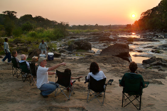 Bua River Lodge: Sundowners on the Bua River