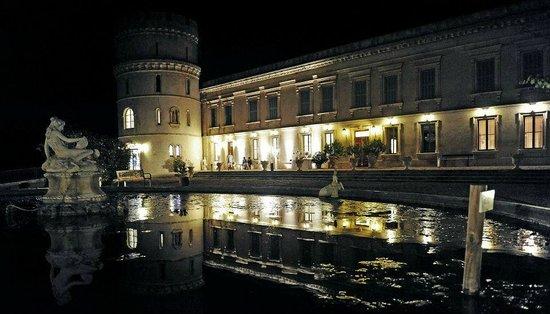 Chateau de Barbegal: château de nuit