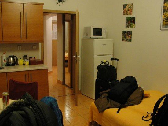 Aparthotel City 5:                   Cozinha/ sala - sofá cama (3a pessoa)