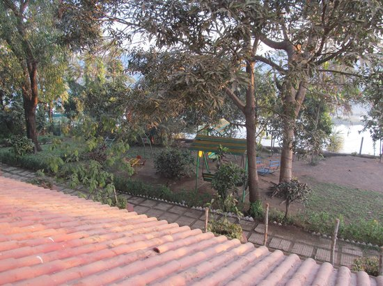 Lotus Riverside Resort:                   The river in the background (from 1st Floor)