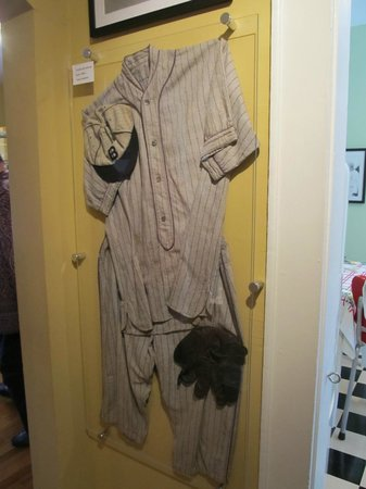 Shoeless Joe Jackson Museum: Old Uniform