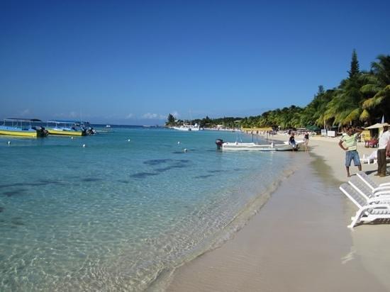 Paradise Beach Hotel: westbay
