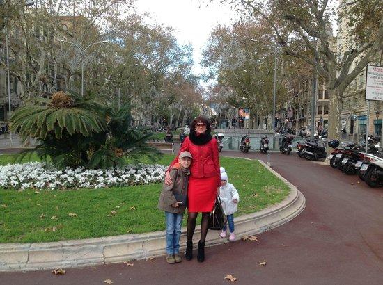 El Palauet Living Barcelona:                   the square near a hotel                 