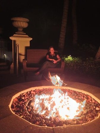 Vero Beach Hotel & Spa - A Kimpton Hotel:                   firepit at night, have a drink, eat or relax outside restsutant