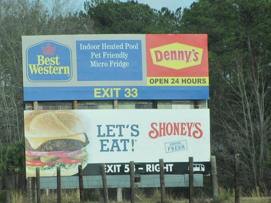 Best Western Point South: sign along the interstate