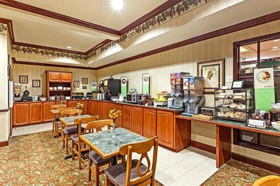 Country Inn & Suites By Carlson, Hinesville: Breakfast Area
