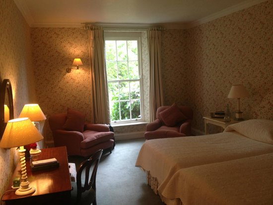 Ballymaloe House Hotel: Bedroom