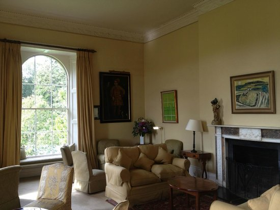 Ballymaloe House Hotel: Reception room