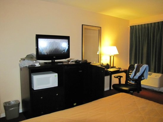 Comfort Inn - De Land: room