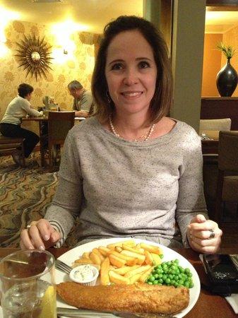 Premier Inn London Kensington (Earl's Court) Hotel:                   Preço bom, comida fresca, ambiente possui um bar também