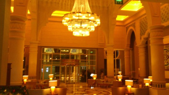 Crowne Plaza Jordan - Dead Sea Resort & Spa: Dies ist die Lobby