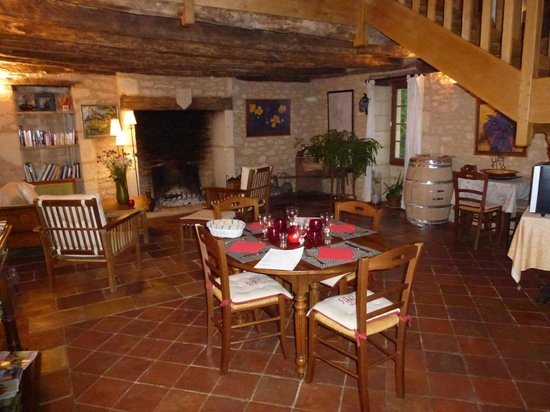 La Licorne: Un repas attendu au soin de la cheminée