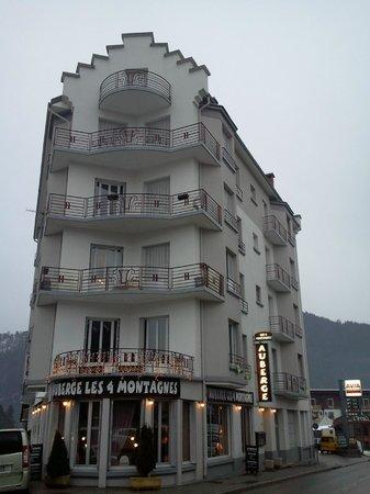 Les 4 Montagnes : hôtel