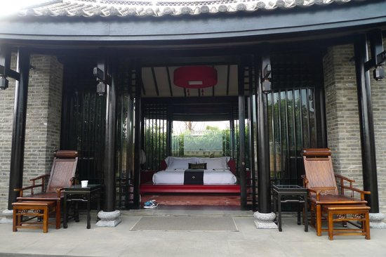 Banyan Tree Lijiang:                   Our pool villa