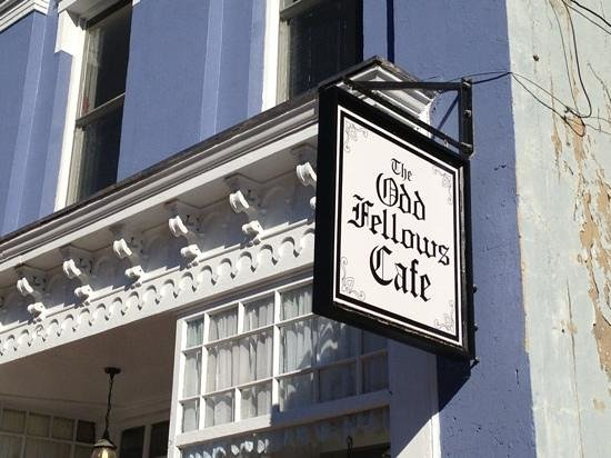 The Odd Fellows Cafe: Front of the building