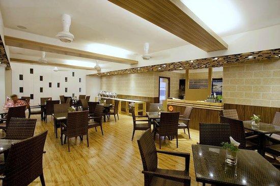 Kaani Beach Hotel: Hotel Restaurant