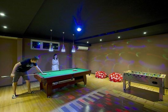 Kaani Beach Hotel: Game Room
