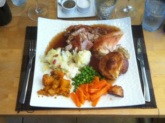 The Restaurant at Burriana: Sunday roast lunch - with pork & chicken