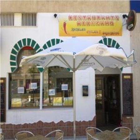 Angeles Chiles Y Demonios: Parte exterior del restaurante Mexicano 56257041