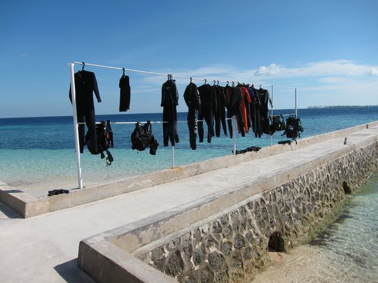Wakatobi Dive Resort: Drying wet suits on the last day