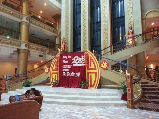 Pacific Palace Hotel:                   Lobby