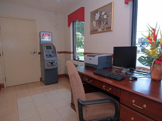 Quality Inn & Suites  Quakertown: 24 hr Business Center