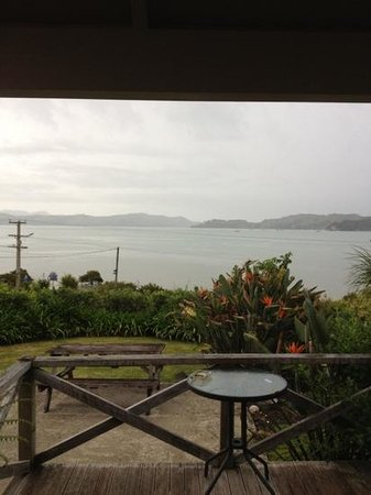 Harbour View Motel:                   deck view on a wet day