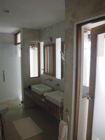 Maafushivaru: Salle de bain