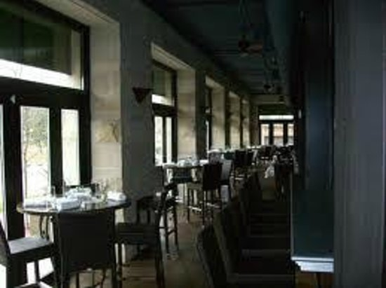 Loring Kitchen and Bar: Four season veranda seating