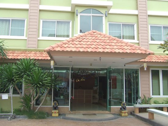 Chaba Suvarnabhumi Airport: Entrée hôtel