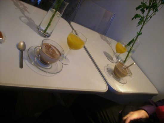 Bilborooms: El desayuno algo escaso